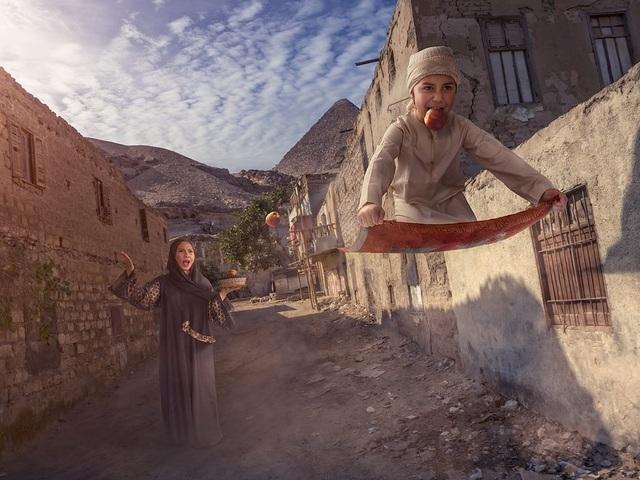 """Hóa thân thành Aladin """"nhí"""" ở xứ Ả Rập."""