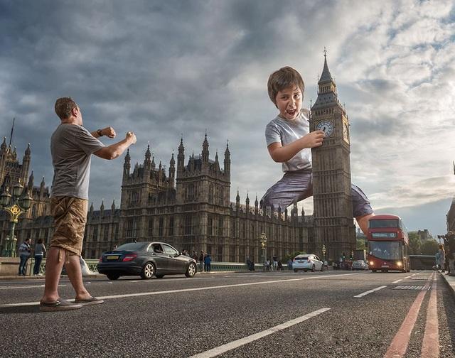 """Thì ra đây là cách người ta chỉnh lại giờ của tháp đồng hồ """"Big Ben""""."""