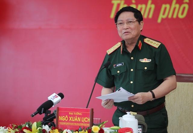 Bộ trưởng Bộ Quốc phòng cho biết sẵn sàng thu hồi đất sân golf nhưng cũng phải tính đến lợi ích doanh nghiệp
