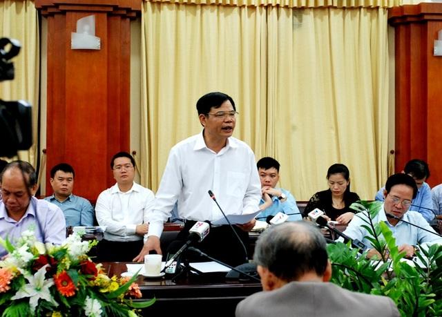 Bộ trưởng Nguyễn Xuân Cường kêu gọi các doanh nghiệp chia sẻ khó khăn với người nuôi lợn.