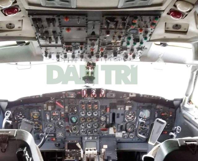 Hệ thống điều khiển máy bay trong cabin phi công