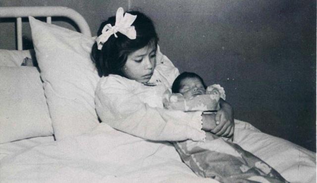 Những ông bố bà mẹ trẻ tuổi nhất thế giới (P1) - 2