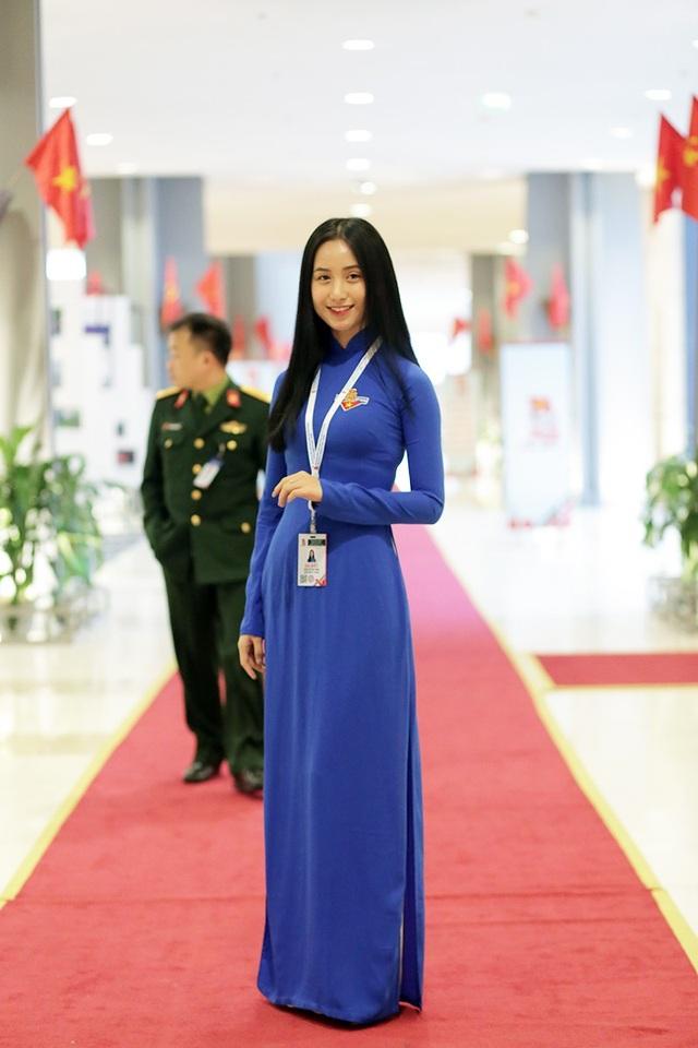 Đặng Thu Hồng – Hoa khôi sinh viên Việt Nam 2016 là đại biểu của đoàn Đà Nẵng
