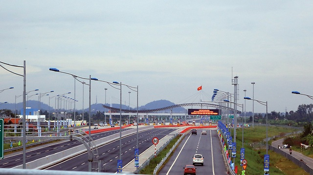 Đầu tư các dự án cao tốc, đường bộ tại Việt Nam đang rất mong vốn từ nước ngoài, song thực tế các nhà đầu tư lại sợ hãi (ảnh minh hoạ)