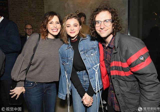 Chloe cũng đã ra mắt David và Victoria Beckham và được bố mẹ bạn trai rất quý mến, trân trọng.