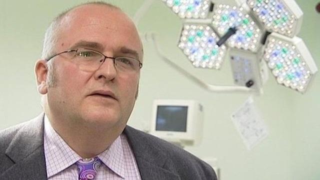 Ông Simon Bramhall (Ảnh: BBC)