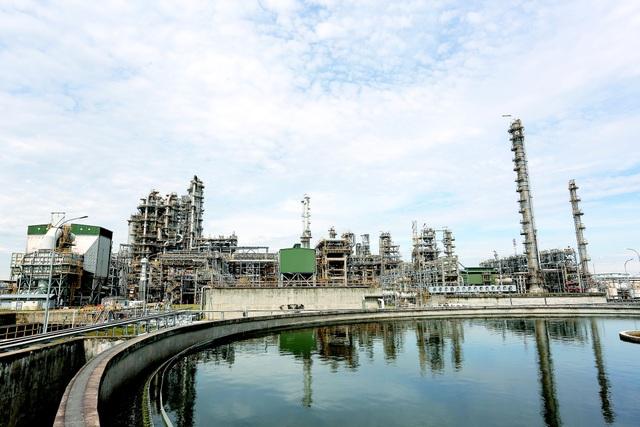Một góc nhà máy Lọc dầu Dung Quất