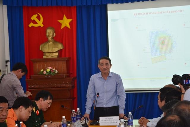 Bộ trưởng Trương Quang Nghĩa chỉ đạo cuộc họp tìm kiếm 9 thuyền viên mất tích sáng 29/3