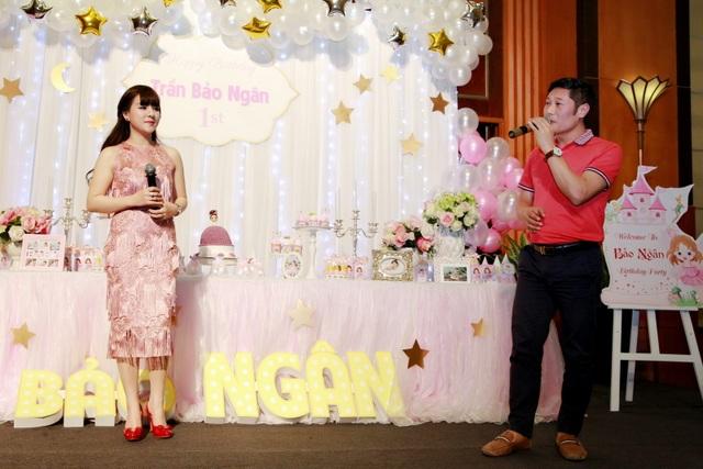 Bà xã ca sĩ Đăng Dương đẹp ngỡ ngàng trong tiệc sinh nhật con gái Bùi Lê Mận - 9