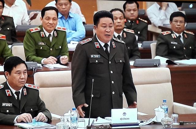 Thứ trưởng Công an Bùi Văn Thành trình dự thảo Nghị định trước UB Thường vụ Quốc hội