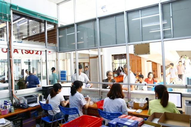 Những chuyển biến tích cực tại bệnh viện Trung ương Huế - 13