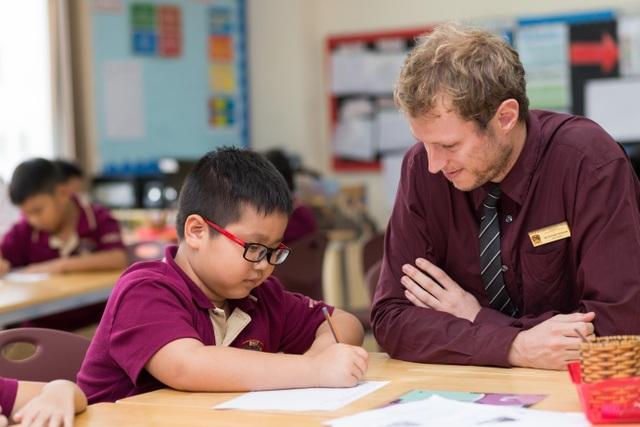 Giờ học cùng giáo viên người Anh tại trường Quốc tế BVIS HCMC.