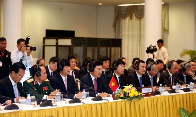 Phó Thủ tướng, Bộ trưởng Bộ Ngoại giao Phạm Bình Minh tại Kỳ họp lần thứ 15 Ủy ban Hỗn hợp Việt Nam–Campuchia về hợp tác Kinh tế, Văn hóa, Khoa học kỹ thuật