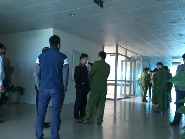 Các cơ quan chức năng làm việc tại Bệnh viện Sản Nhi tỉnh Bắc Ninh chiều ngày 20/11
