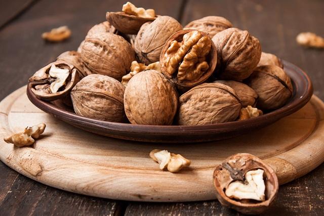 Là nguồn omega-3 và vitamin E có lợi cho tim.
