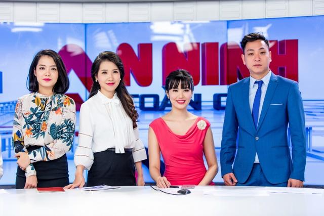 Hoa hậu Thu Thuỷ đẹp rực rỡ trong vai trò MC Thời sự - 6