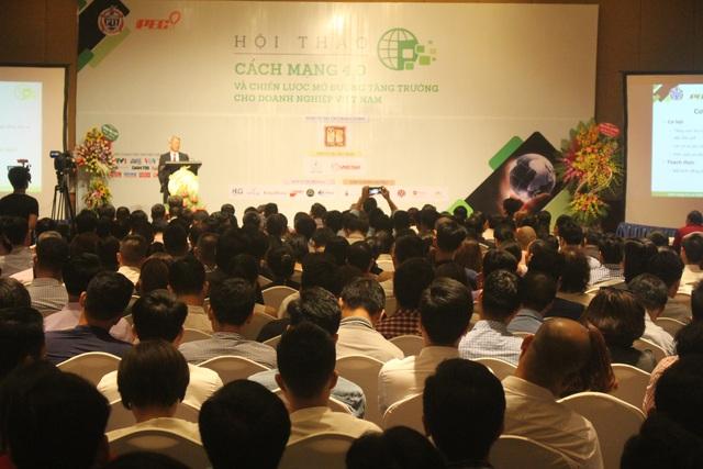 Buổi hội thảo Cách mạng 4.0 và Chiến lược mở đường cho doanh nghiệp Việt Nam có sự tham gia của nhiều CEO, doanh nhân và chuyên gia hàng đầu về kinh tế, công nghệ của Việt Nam. (Ảnh: Hồng Vân)