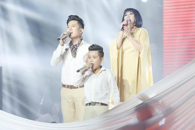 Nữ ca sĩ Cẩm Vân, bé Nhật Minh - Quán quân The Voice Kids 2015 bất ngờ song ca cùng Anh Tú.