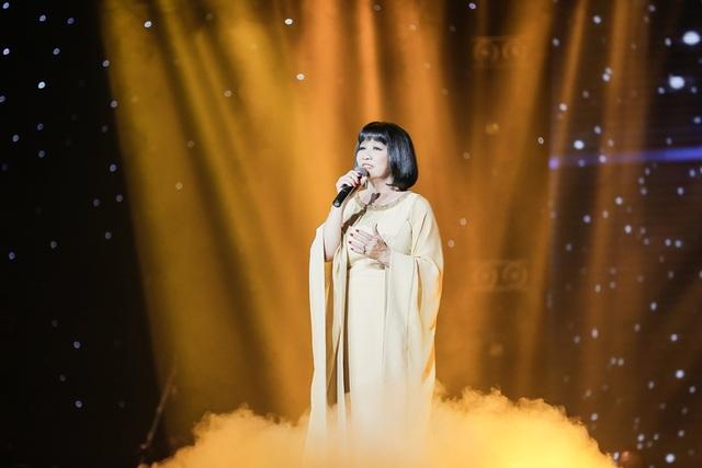 Giọng ca đi cùng năm tháng của ca sĩ Cẩm Vân.