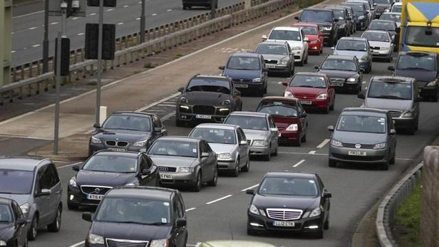 Anh cấm xe chạy xăng và diesel từ năm 2040 - 1