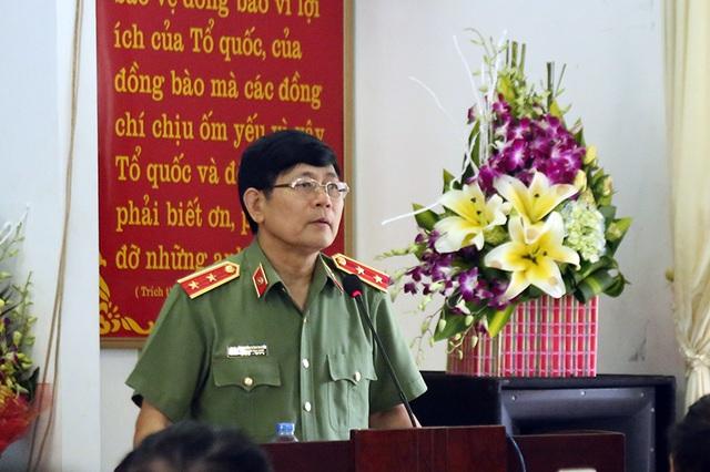 Trung tướng GS.TS Nguyễn Văn Ngọc - Giám đốc Học viện An ninh Nhân dân gửi lời tri ân, lời thăm hỏi ân cần sâu sắc, những tình cảm chân thành tới các đồng chí thương binh, bệnh binh đang được chăm sóc, phụng dưỡng tại Trung tâm.