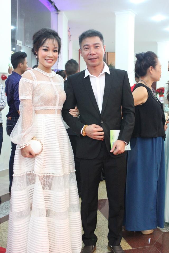 NSƯT Công Lý và diễn viên Minh Hương.