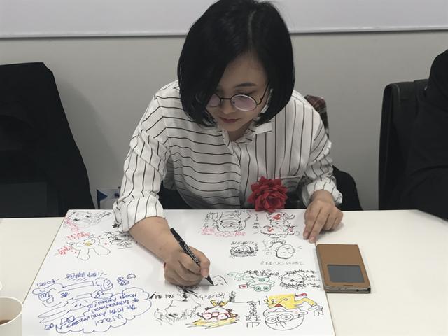 Để đến được với đam mê hội họa, Can Tiểu Hy từng gặp không ít trắc trở.