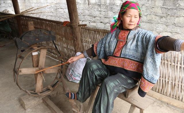 Tạp chí Forbes Việt Nam chính thức công bố danh sách 50 Phụ nữ Ảnh hưởng nhất Việt Nam năm 2017, ghi nhận 50 gương mặt phụ nữ đang có vai trò nổi bật trong các lĩnh vực hoạt động của họ, bao gồm chính trị, kinh doanh, hoạt động xã hội và từ thiện, khoa học – giáo dục, giải trí, nghệ thuật và thể thao. Bà Vàng Thị Mai được bầu chọn trong lĩnh vực hoạt động xã hội.
