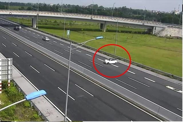 Chiếc xe vi phạm bị camera ghi lại trên cao tốc Hà Nội - Hải Phòng