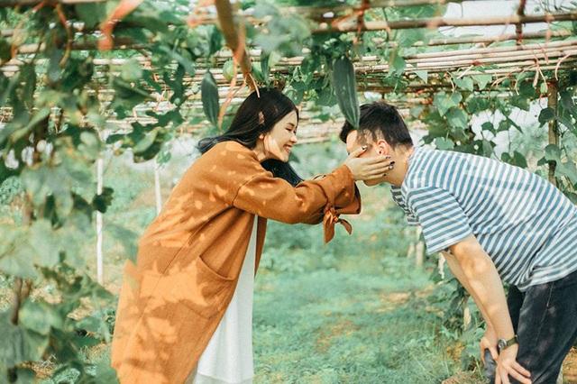 """Cặp đôi cho rằng điểm chung giữa họ là """"thô và thật với nhau"""". Mặc dù không có nhiều bức ảnh selfie cùng nhau nhưng cả hai luôn kiên định với tình yêu của mình."""