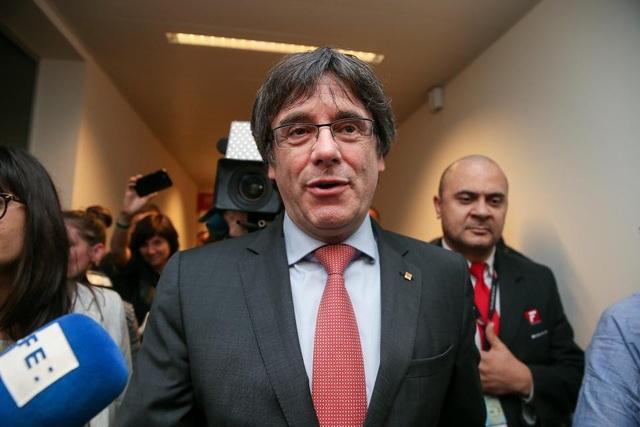 Cựu Thủ hiến Catalonia Carles Puigdemont (Ảnh: Reuters)