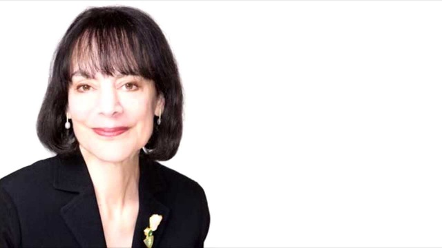 Tiến sĩ Carol Dweck sinh năm 1946, hiện là Giáo sư Tâm lý học tại Đại học Stanford, Mỹ.