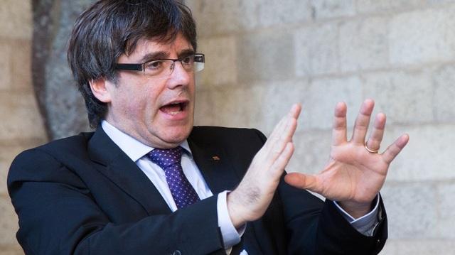 Thủ hiến Catalonia Carles Puigdemont (Ảnh: AFP)
