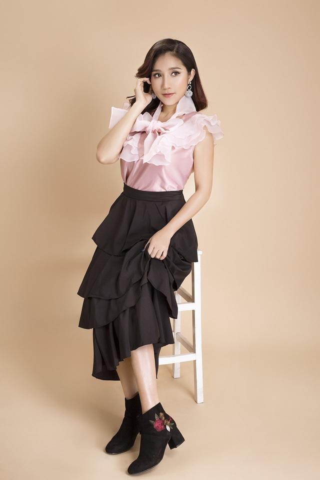 Cô cũng là một trong số ít người đẹp Việt dù bước sang tuổi 40 vẫn giữ được sắc vóc mơ ước.