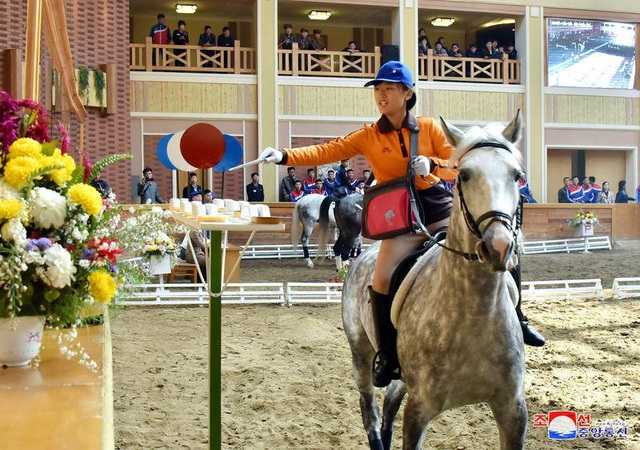 Một hoạt động diễn ra tại câu lạc bộ cưỡi ngựa Mirim (Ảnh: KCNA)