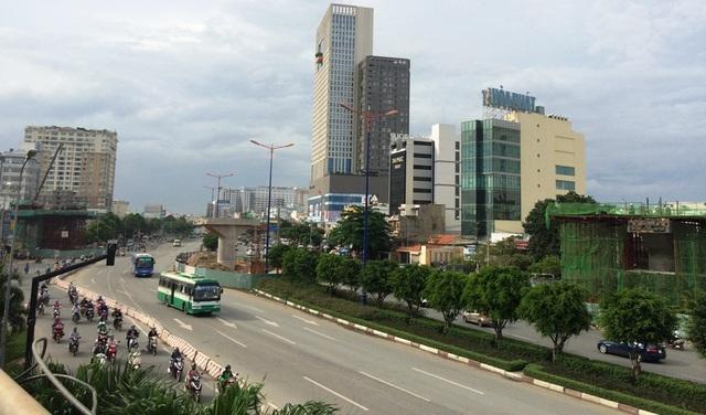 Rào chắn thi công hạng mục công trình thuộc dự án tuyến metro Bến Thành - Suối Tiên