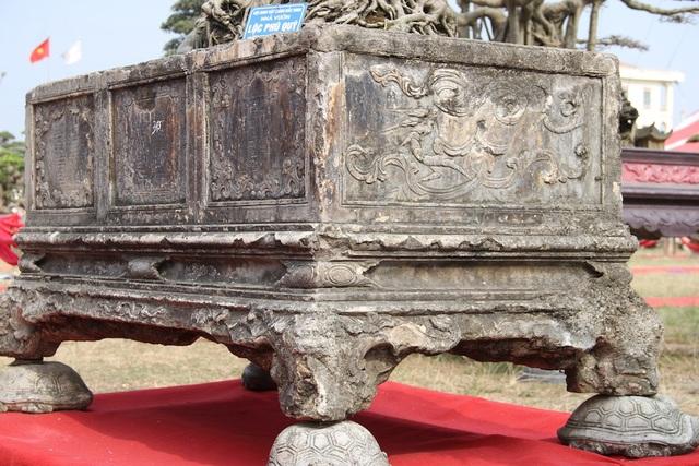 Chiếc bình cổ niên đại lâu năm, từng được trả giá 250 triệu nhưng anh Ngọc không bán