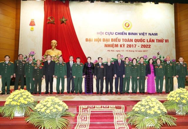 Các vị lãnh đạo Đảng, Nhà nước với các đại biểu tại Đại hội. Ảnh: Trí Dũng – TTXVN