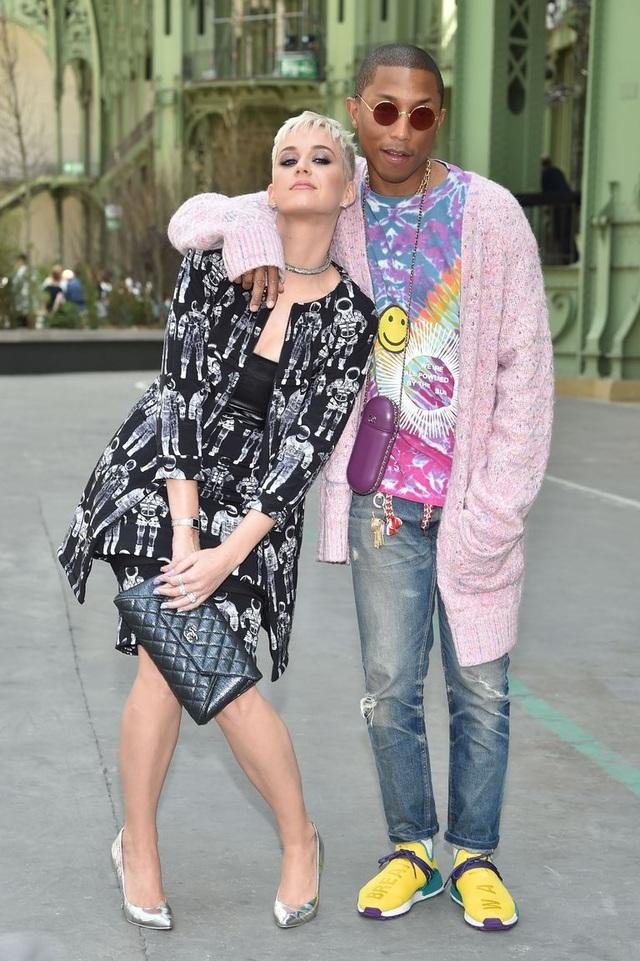 Pharrell Williams và Katy Perry dự sự kiện