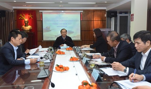 Thứ trưởng Lê Đình Thọ chủ trì cuộc tọa đàm về chậm huỷ chuyến bay