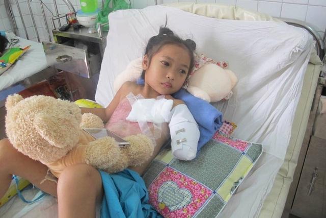 Cháu Minh Thư vẫn đang được điều trị tại Bệnh viện Đà Nẵng