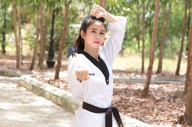 """""""Hot girl Taekwondo"""" với dáng chụp ảnh độc đáo """"đố ai bắt chước"""" - 8"""