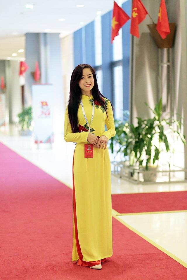 """""""Hot girl làng võ"""" Châu Tuyết Vân """"xinh như hoa"""" tại ĐH Đoàn toàn quốc - 2"""