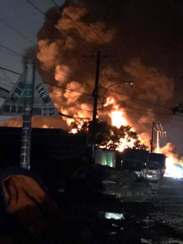 480/600m2 diện tích nhà xưởng bị thiêu rụi và đổ sập