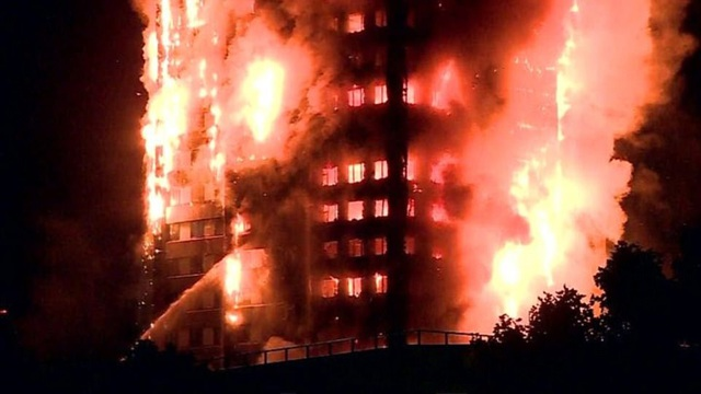 Vụ hỏa hoạn xảy ra vào sáng sớm hôm này 14/6 tại tòa nhà Grenfell Tower thuộc khu Lancester West Estate, London. Đây là tòa nhà 24 tầng và có khoảng 200 cư dân sống bên trong.