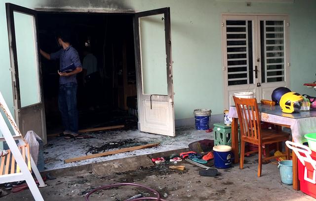 Hiện trường vụ cháy khiến 4 người trong một gia đình tử vong - 1