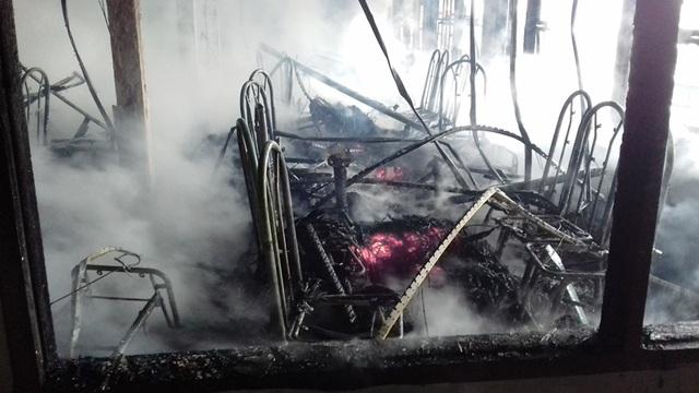 Do toàn đồ dễ bắt lửa nên đám cháy lan khá nhanh