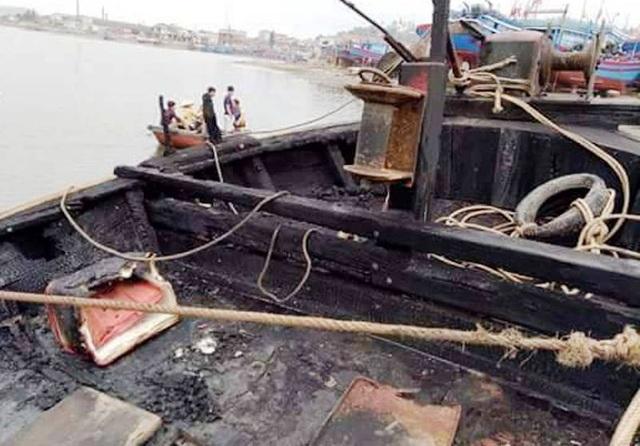 Thời điểm xảy ra vụ cháy trên tàu có 3 ngư dân và đã may mắn được cứu thoát