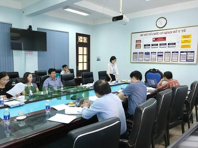 Hội đồng chuyên môn đang họp tại Sở y tế Hòa Bình