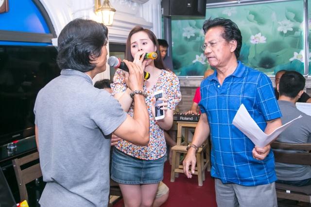 Chế Linh cho biết, mặc dù các con đều thửa hưởng chất giọng của cha nhưng ông không ép các con theo nghề mà muốn các con tự lựa chọn công việc theo sở thích của mình.